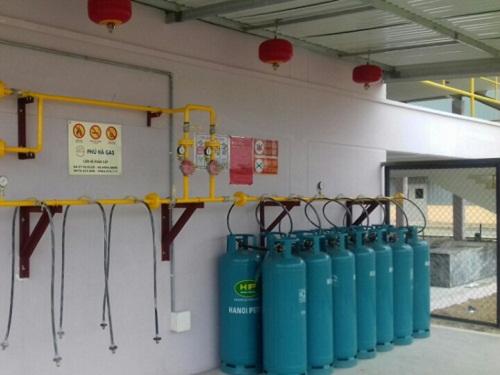 Chọn giàn gas công nghiệp ống thép hay đồng?