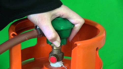 Lưu ý khóa mở van bình gas