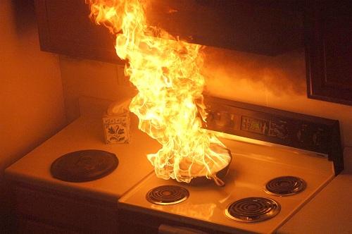 Xử lý bếp gas bị bùng lửa